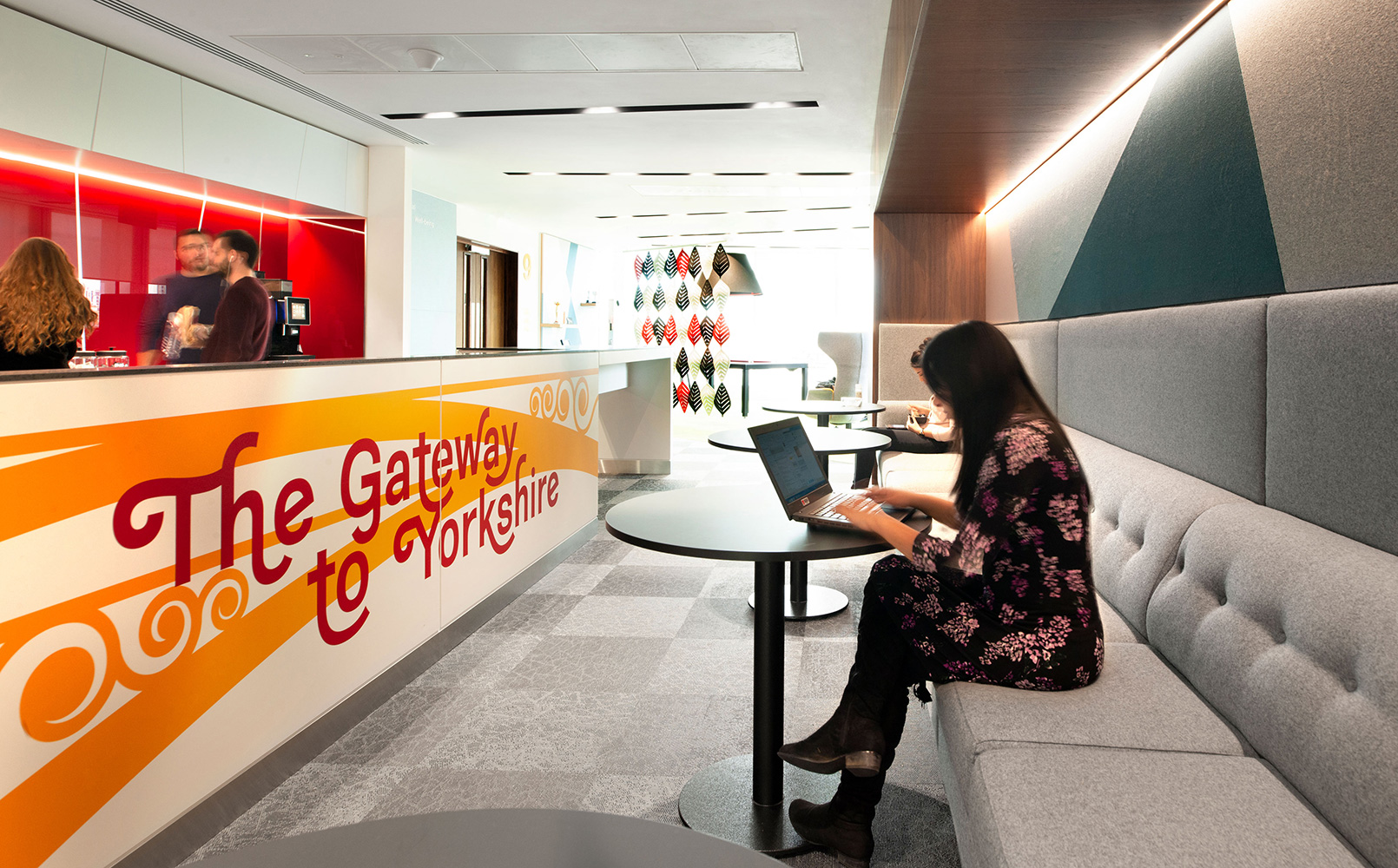 Can environmental graphics trigger pride and motivation
